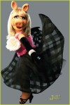 marc-jacobs-miss-piggy-04